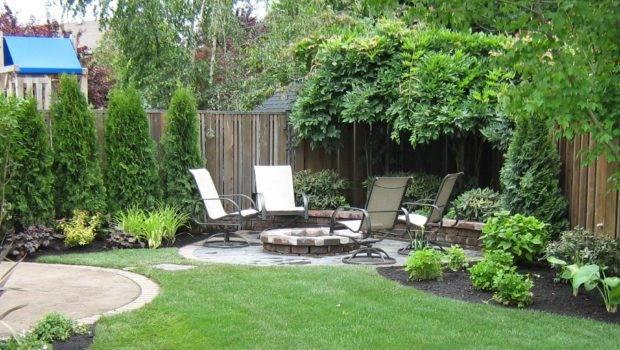 Atrractive Small Backyard Design