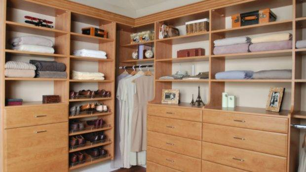 Awesome Brown Walk Closet Layout Featuring Shape