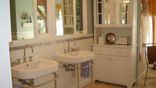 Before After Small Bathroom Gets Big Makeover