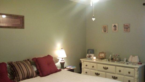 Best Color Small Bedroom Decorating Even
