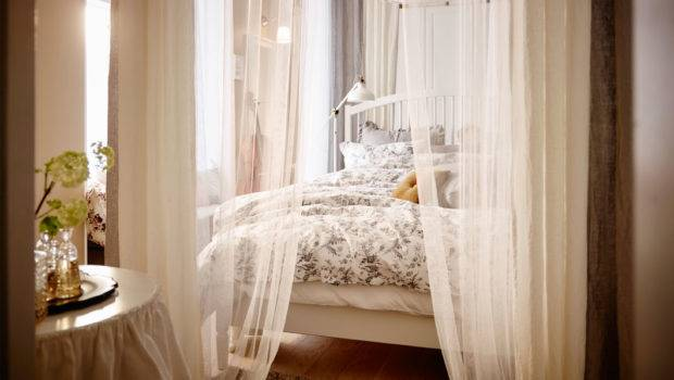 But There Something Classically Elegant Bedroom Canopy