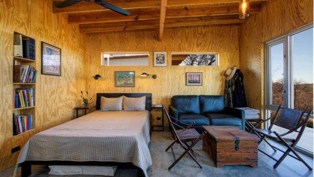 Cabin Interiors Blend Rustic Modern
