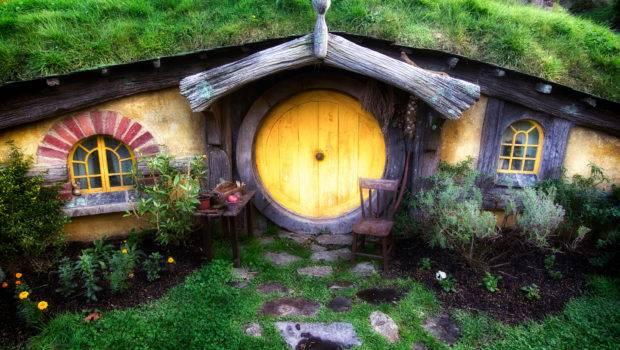 Case Hobbits