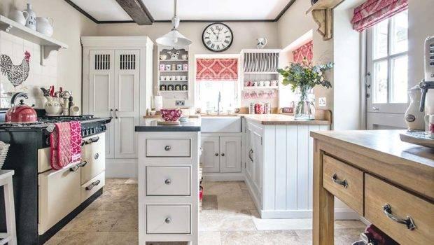 Choosing English Kitchen Period Living