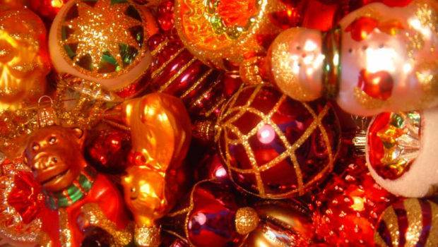 Christmas Decorations Warm Welcoming Front Porch Interior