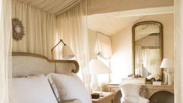 Curtains Above Headboard Curtain Menzilperde