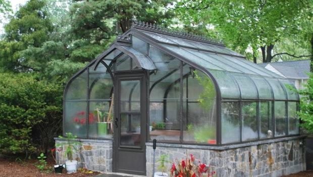 Curved Eave Even Span Greenhouse