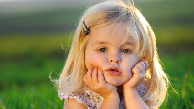 Cute Beautiful Little Girl Windows
