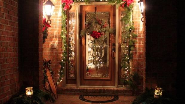 Decorate Christmas Front Door Using Live Garland