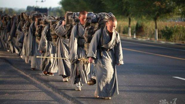 Devout Chinese Ascetic Nuns Live Peripatetic Life Hardship