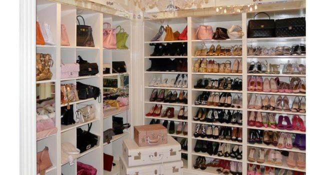 Dreamy Walk Closet Shoes