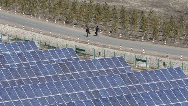 Electric Rain Solar Panel Turns Raindrops Into Power