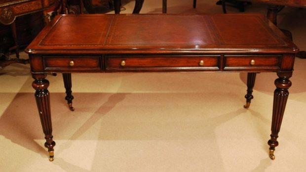 Elegant Gillows Style Mahogany Writing Table Desk