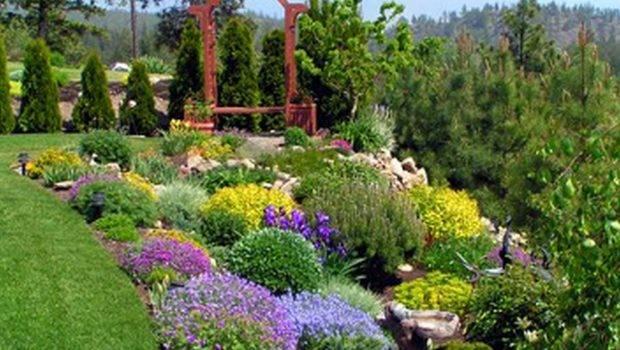 Exterior Cute Beautiful Landscaping Backyard Ideas