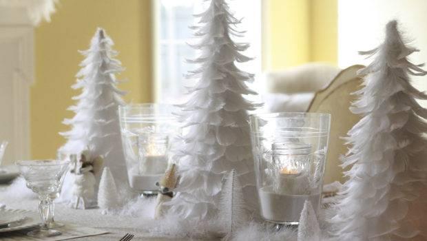 Eye Catching White Christmas Table Decoration Ideas