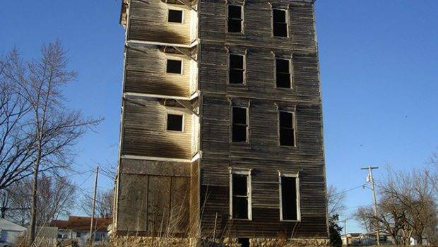 Four Story Haunted House Freaking News