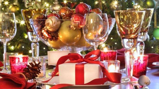 Fresh Christmas Dining Room Table Decoration Ideas