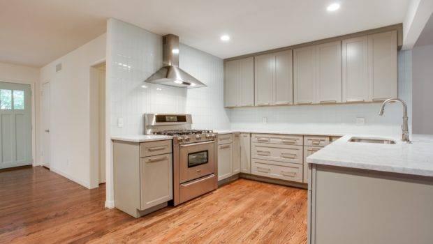 Glossy White Glass Subway Tile Kitchen Backsplash Outlet
