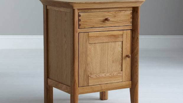 Good Bedside Table Should Luxurious Your Bed Tcg