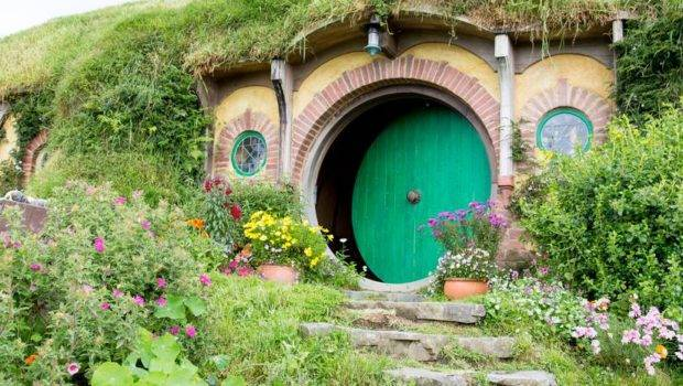 Hobbit Homes Around World Grapevine