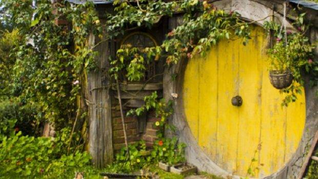 Hobbit Houses Caelum Terra