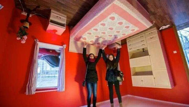 Inside Upside Down House Russia Artchitecture Pinterest