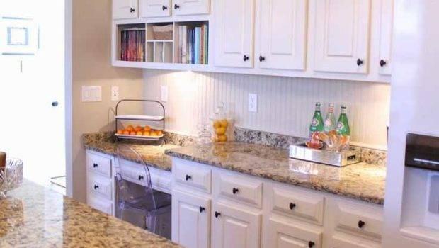 Kitchen Wall Colors White Cabinets Also Backsplash