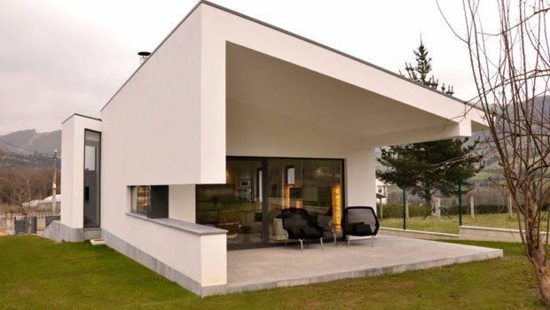 Light Contemporary House Black White Exterior