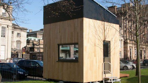 London Meter Micro Cube House Produces More Energy Than