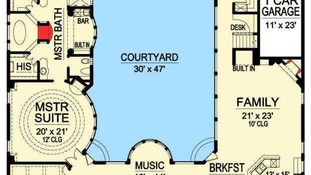 Luxury Central Courtyard Architectural
