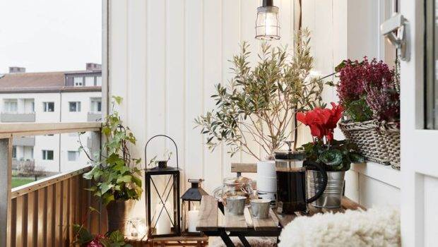 Make Your Own Winter Wonderland These Balcony