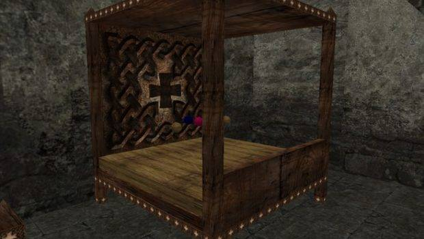 Medieval Celtic Designed Canopy Bed Realistic Straw Mattress