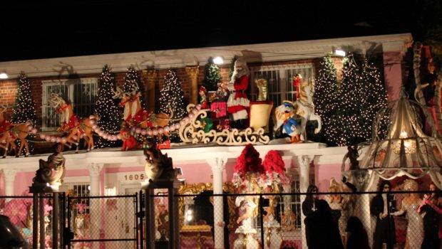 Meet Bronx Most Elaborate Christmas