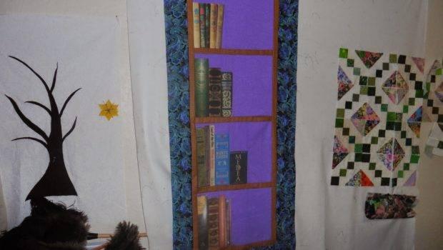 Mel Quilting Blog Bookshelf Wall Hanging