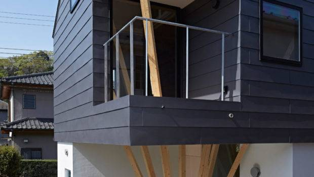 Modern Home Clusters Wooden Columns Digsdigs