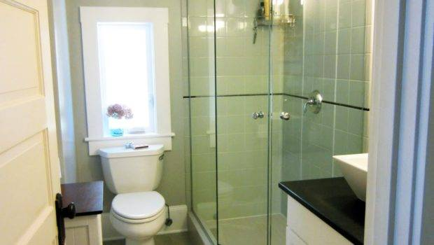 Modern Small Bathroom Corner Shower Room