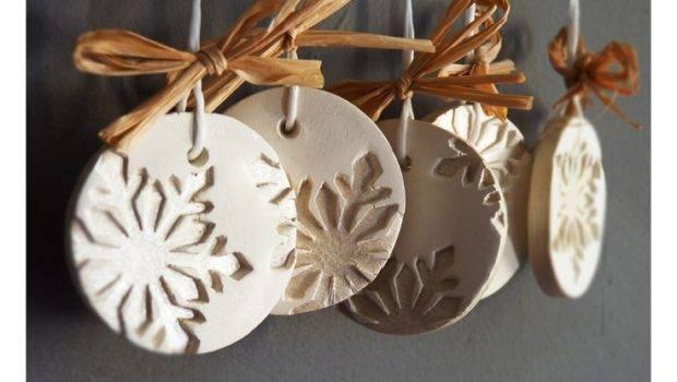 Modern Snowflake Ornaments Set White Ceramic Pearl Painted