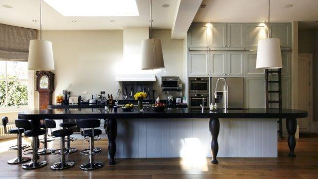Modern Twist Tailored Yet Eminently Comfortable Interior Design
