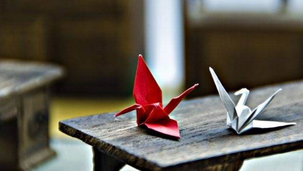 Mood Origami Swan Red White