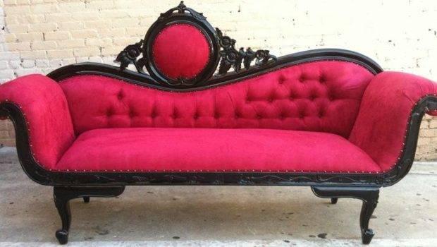 Old Fashioned Couch Sokaci