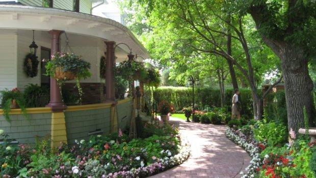 Old Garden House Home Exterior Design Ideas
