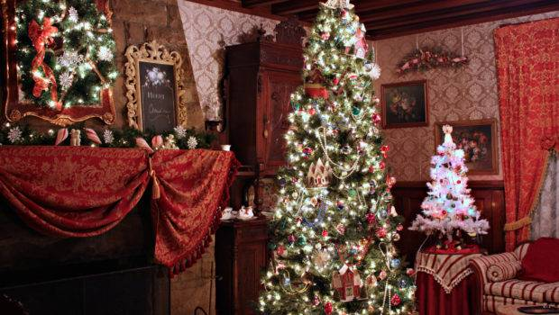 Our Main Tree Room Year Decorated White