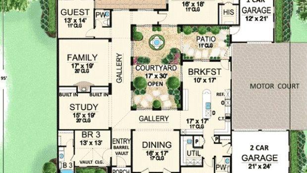 Plan Central Courtyard Dream Home