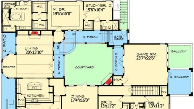 Plan European Home Central Courtyard