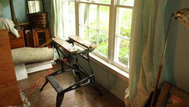 Portable Work Bench Front Window