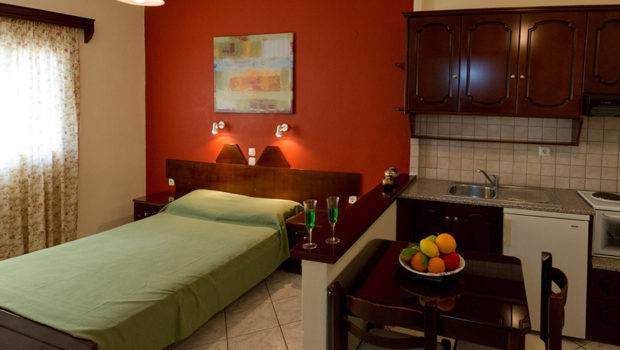 Standard Two Room Apartment Parga Greece