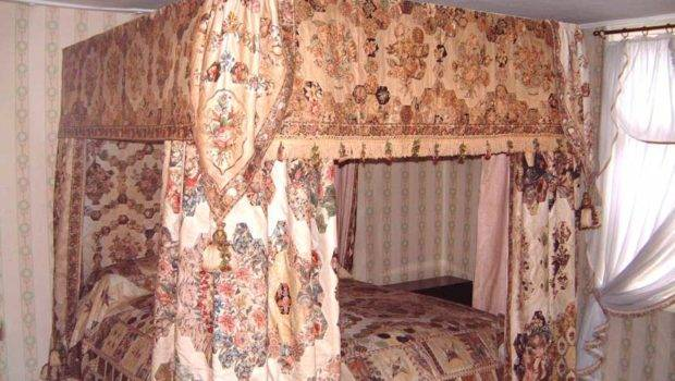 Tony Jewers Bed Hangings Displayed Stangers Hall