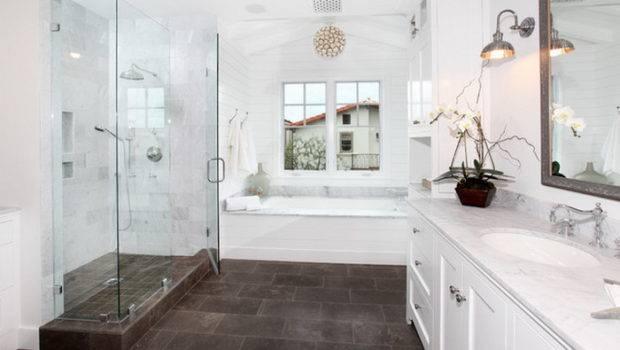 Traditional Bathroom Designs Give Royal Look