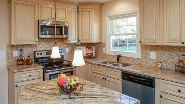 Tuscany White Country Kitchen Cabinets