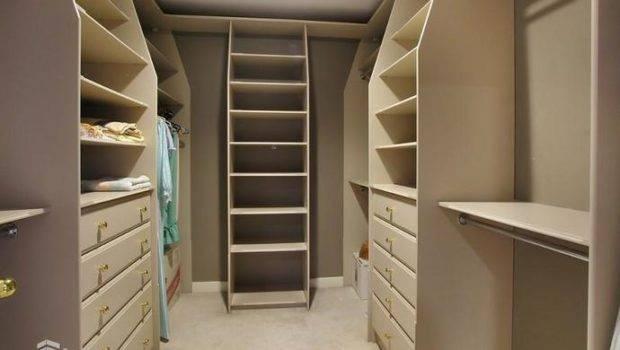 Upstairs Master Bedroom Closet